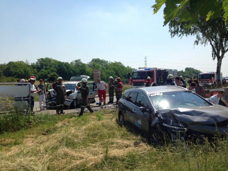 Großalarm nach Frontalem bei Großriedenthal